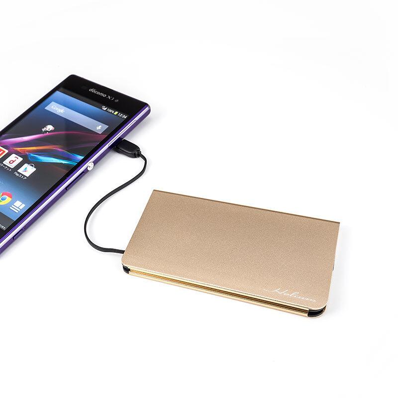 携帯性に優れた極薄・ケーブル一体化タイプ