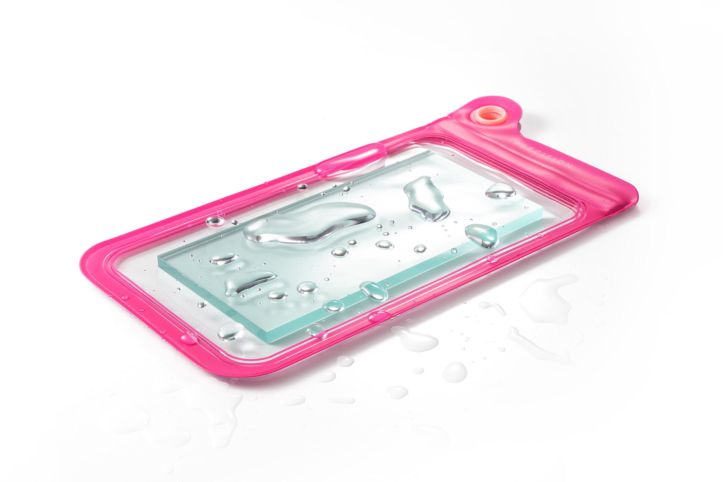 水滴や汚れからスマートフォンを保護する防滴ケース